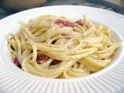 lecker spagetti carbonara