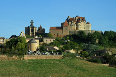 chateau_biron